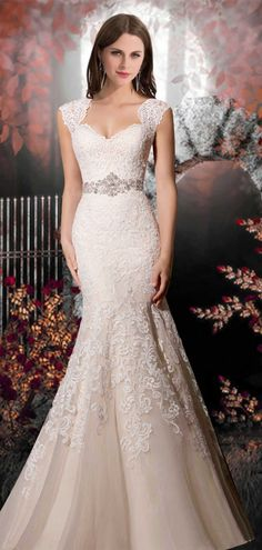 Trumpet Organza Diamond Neckline Lace-up Sleeveless Wedding Dress