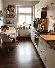 Home Decor - Beautiful Decoration Design Ideas For Small Kitchen Home Decor Kitchen, Home Kitchens, Big Kitchen, Design Kitchen, Very Small Kitchen Design, Small House Kitchen Ideas, Small Kitchen Inspiration, Small Apartment Kitchen, Small Space Kitchen