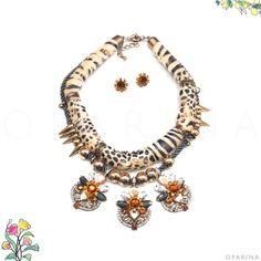 Collar de Animal Print en Oparina.  #oparina #statementnecklace #animalprint  #madewithstudio
