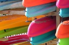 Colorful Kayaks - jigsaw puzzle at www.jspuzzles.com