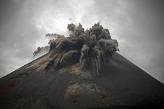 Krakatau: Is the Most Violent Volcano in History Ready for Its Next Big Eruption? (Environment Alert) http://www.dailygalaxy.com