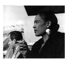 Billie Holiday fotografada em Nova York, em 1958, por Elliot Erwitt.
