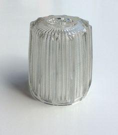 kirkaslasinen lampunvarjostin . korkeus 13 ja halkaisja 11cm