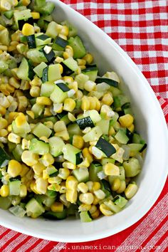 Lunes sin carne: Calabacitas con elote Monday without meat: Calabacitas with corn - A Mexican Avocado Recipes, Vegan Recipes, Cooking Recipes, Vegan Food, Corn Dip, Zucchini, Best Side Dishes, Food Journal, Vegetarian Options