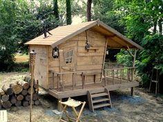 Cabane des bois sur pilotis - Maquette et réalisation finale