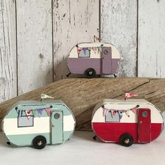 caravan decor 828943875140640721 - Vintage vans Source by Driftwood Crafts, Wooden Crafts, Wooden Toys, Beach Crafts, Diy And Crafts, Small Wooden House, Wooden Houses, Wood Projects, Craft Projects