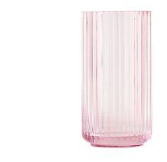 Lyngby Porcelaen - Glasvase #inspirationdk #lyngby #lyngbyporcelæn #vaser #glas #white #pink