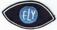 Een FLY in je EYE Lululemon Logo, Badge, Logos, Hats, Style, Fashion, Swag, Moda, Hat