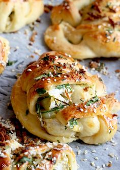 Bread Rolls, Dinner Tonight, Salmon Burgers, Pizza, Grilling, Food Porn, Good Food, Food And Drink, Easy Meals