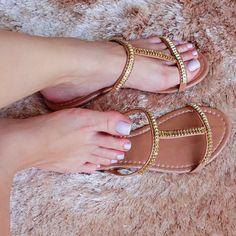 only sexy feet women flat sandals Shoes Flats Sandals, Shoe Boots, Flat Sandals, Cute Shoes, Me Too Shoes, Women's Feet, Fashion Sandals, Womens Flats, Girls Shoes