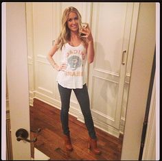 Kristin Cavallari took a selfie before a Bears game in a tee by the very appropriately named label Junk Food NFL. Shop it: Chicago Bears Tank ($30) in orange Source: Instagram user KristinCavallari