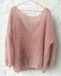 Soft mohair pullover by Patkas Pullover Oversized pullover Pullover Pink, Oversized Pullover, Chunky Knit Cardigan, Mohair Sweater, Chunky Knits, Knitting Designs, Sweater Knitting Patterns, Mode Boho, Knitwear