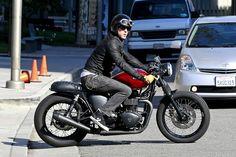 Ryan Reynolds Films 'Safe House' in LA