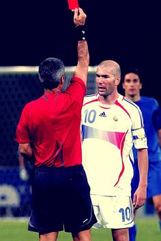 Tarjeta roja, tras el cabezazo. Mundial Alemania 2006. Francia- Italia