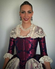 Costume, Historical Clothing, Modern Fashion, Vintage Dresses, Doll Clothes, Ruffle Blouse, Gowns, Womens Fashion, Sleeves