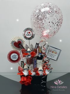 Liquor Bouquet, Candy Bouquet, Diy Birthday, Birthday Gifts, Happy Birthday Cards, Diy And Crafts, Crafts For Kids, Birthday Gift Baskets, Balloon Gift