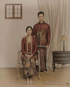 classic javanese prewedding photo by . makeup by hair by styled ny Pre Wedding Poses, Pre Wedding Photoshoot, Wedding Couples, Javanese Wedding, Indonesian Wedding, Indonesian Kebaya, Model Kebaya Modern, Couple Photography Poses, Wedding Photography