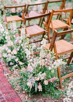 Wedding Chairs // Image by Hannah Duffy Photography Wedding Aisles, Wedding Ceremony Flowers, Wedding Chairs, Wedding Bouquets, Wedding Reception, Wedding Ideas, Budget Wedding, Wedding Bells, Wedding Dresses