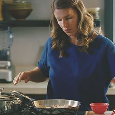 Sauteing | A Chef's Life - How-To's with Chef Vivian Howard | Le Creuset