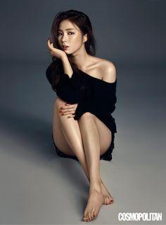 Shin Se Kyung Cosmopolitan Korea August 2015 Look 1