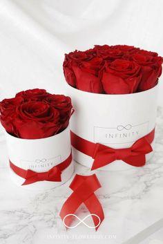 Rote haltbare Rosen als schönes edles Geschenk. Das Beste - du machst nicht nur den Beschenkten eine Freude, sondern gleich der ganzen Welt! Mit Unseren Roten Infinity Rosen in der Farbe Rot unterstützt du den Kampf gegen AIDS. Das macht es zum Geschenk mit Herz.