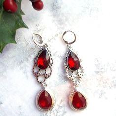 Boucles d'oreilles duo de rouge sur metal argente