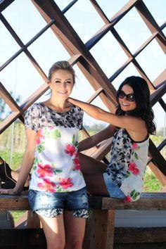 """Estivemos semana passada na Spezzato e separamos algumas das nossas peças preferidas da coleção de verão que já está nas lojas. O resultado está aqui, neste """"mini"""" editorial que preparamos para vocês! Camisetas lindas, como a regata Sunset da Cris e o 'combo' camiseta+blazer+shorts jeans da Sophia.  Detalhe do forro do blazer: lindo! Camisa …"""