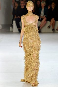 Alexander McQueen Spring 2012 Collection/Model: Patricia van der Vliet