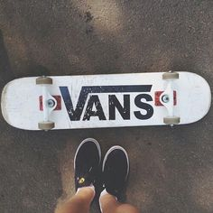 I love Vans! I have black & white ones. Love the skateboard too! Vans Skateboard, Skateboard Deck Art, Cool Skateboards, Skateboard Design, Skateboards For Girls, Skateboard Tumblr, Longboard Design, Electric Skateboard, Moda Skate
