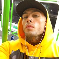 20 Hot Guys With Nose Rings