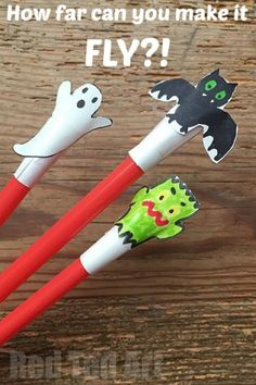 Halloween Crafts for Kids, make these super easy and fun shooter toy. Then have a competition as to who can shoot it the furthest! halloween crafts for kids Theme Halloween, Halloween Science, Easy Halloween Crafts, Holidays Halloween, Halloween Cookies, Holiday Crafts, Holiday Fun, Fun Crafts, Kids Halloween Activities