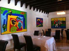 Hotel Cap Vermell Beach y ruta con el Honda CRV, Restaurante con cuadros del pintor mallorquín Gustavo #turismo #mallorca #hoteles #arte