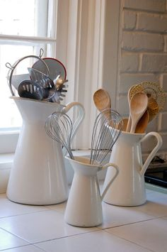 To avoid rifling through kitchen drawers with flour-and-egg coated hands, keep the tools you reach for most in a jar, pitcher, or vase on your counter. #JPtips