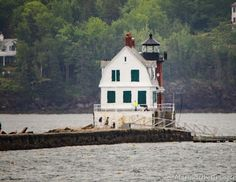Review This!: Review of Rockland Breakwater Lighthouse