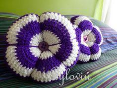 crochet pillow from ayloviu