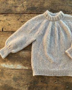 #saturdaynightsweater ✌🏻 Vi hjelper deg med oppskrift og garn. Knitted Shawls, Pullover, Knitting, Sweaters, Fashion, Knit Shawls, Moda, Tricot, La Mode