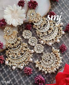 Indian Bridal Jewelry Sets, Bridal Jewelry Vintage, Indian Jewelry Earrings, Jewelry Design Earrings, Jewelery, Amber Earrings, Antique Jewellery Designs, Indian Jewellery Design, Wedding Jewellery Inspiration