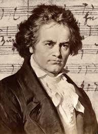"""Quando penso em Beethoven eu o imagino sobre um rochedo alto. À sua frente, lá em baixo, o mar furioso, em tempestade. A chuva fustiga o seu rosto. E ele, velho, surdo, sorri, chorando, levanta a sua batuta, e faz a natureza enfurecida se transformar em orquestra e coro, e cantar o coral da Nona Sinfonia que se resume numa única palavra: """"Alegria"""", """"Alegria"""". O homem triunfando sobre o Destino! Rubem Alves"""