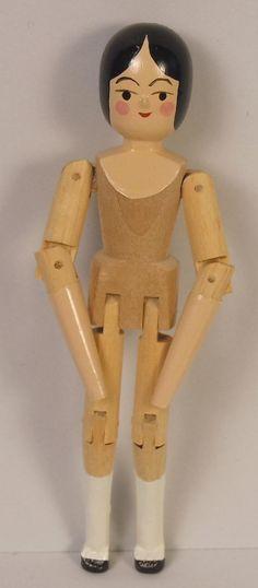 Сексуальная кукла из дерева вам