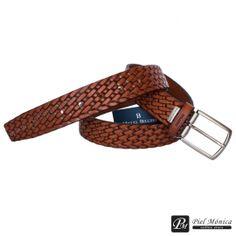 Cinturón de hombre Miguel Bellido realizado en cuero formato moderno con dibujo trenzado.