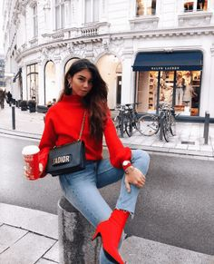Super how to wear red boots bags Ideas Look Fashion, Winter Fashion, Fashion Outfits, Ankle Booties Outfit, Red Outfits For Women, Classy Outfits, Winter Outfits, Outfit Invierno, Brunch Outfit