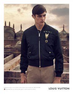 Louis Vuitton Sprig Summer 2015 menswear  Modelo: Rhys Pickering  Fotografía: Peter Lindbergh