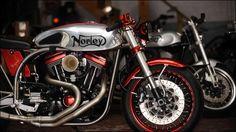 ノートン・フェザーベットフレームにハーレーのVツインエンジンを積んだハイブリッドバイク「Norley」