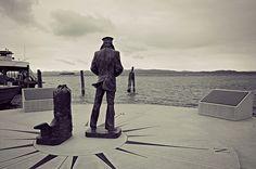 The Lone Sailor bronze statue overlooks Lake Champlain (Burlington, Vermont) behind the ECHO center #BTV. More info: http://navylog.navymemorial.org/Visit/NavyMemorialsAroundtheCountry/BurlingtonVermontTheLoneSailor/tabid/162/Default.aspx