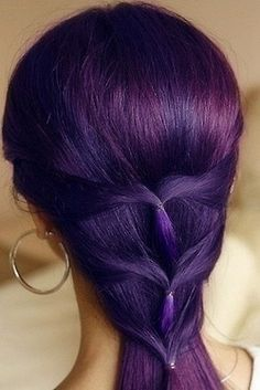 dark purple hair I would love to put a couple of streaks in mine
