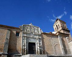 """#Jaén - #Alcaudete - Iglesia de Santa María 37º 35' 21"""" -4º 5' 15"""" / El templo, de proporciones catredalicias, se edificó en la primera mitad del siglo XVI, según algunas tradiciones jiennenses, sobre el espacio que ocuparía la mezquita musulmana. Es Monumento Histórico desde 1932."""