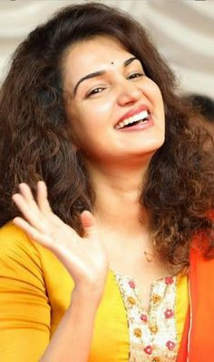Cute Smiling India Beauty, Asian Beauty, Girl Number For Friendship, Indian Face, Honey Rose, Dehati Girl Photo, Actress Navel, Indian Actress Photos, Stylish Girl