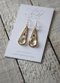 Vintage metal drops get modernized with citrine Upcycled Vintage, Vintage Metal, Pearl Earrings, Drop Earrings, Stones And Crystals, Handcrafted Jewelry, Bridal Jewelry, Vintage Jewelry, Jewelry Making
