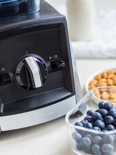 Koktajl odchudzający - co pić, żeby schudnąć? - Blog AgataBerry.pl W 6, Nespresso, Coffee Maker, Berries, Food And Drink, Kitchen Appliances, Drinks, Recipes, Fitness