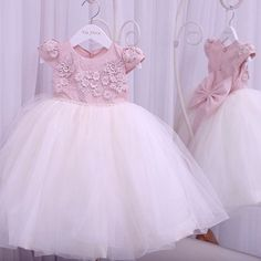 Todo amor que houver nessa vida... Baby Girl Dresses, Baby Dress, Cute Dresses, Flower Girl Dresses, Little Girl Outfits, Little Girl Dresses, Kids Outfits, Princes Dress, Dress Anak